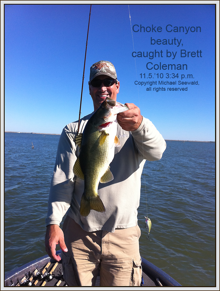 Michael seewald 39 s texas bass fishing and photo adventure for Canyon lake fishing spots